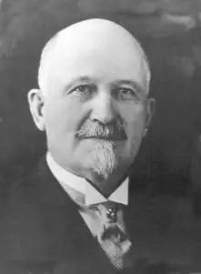 portrait-of-w-r-motherwell-taken-in-1922-parks-canada-col
